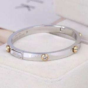 Henri Bendel NWOT Silver Rivet Crystal Bracelet